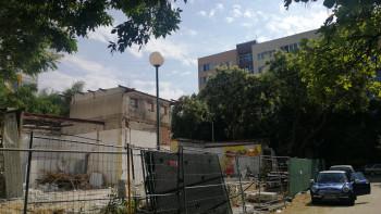"""Рухна последният """"Триумф"""", строят на мястото му магазин на 2 етажа СНИМКИ"""