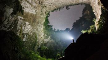 В най-голямата пещера в света се случва нещо невиждано СНИМКИ