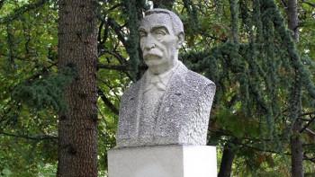 "Трима писатели номинирани за наградата ""Д-р Иван Богоров"""