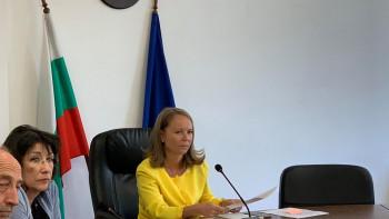 Още 2 жертви на коронавирус в Пловдивско, преговарят с 6 частни болници за Ковид екипи
