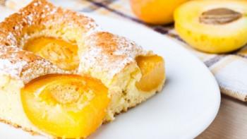 Ароматна закуска: Лесен сладкиш с кайсии