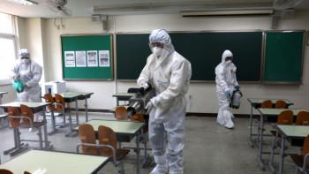 Затвориха училище във Варна заради случаи на коронавирус