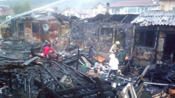 Пожар остави без дом 5 семейства с малки деца
