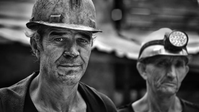Китайски миньори в капан в мина за въглища ВИДЕО/СНИМКИ