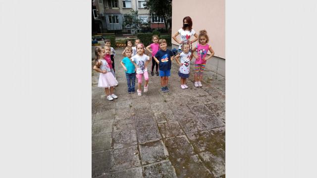 Зумба и английски в детската градина, но без смесване на групи - 0
