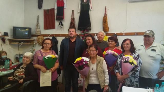 """Заместник-кмет на """"Родопи"""" на троен празник в село Кадиево СНИМКИ"""