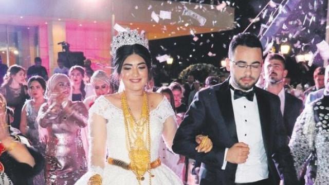 Скъпото злато открадна блясъка на зрелищните племенни сватби в Източна Турция