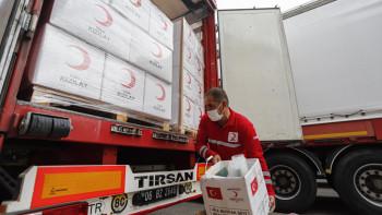 Анкара изпраща камиони с помощи на Азербайджан