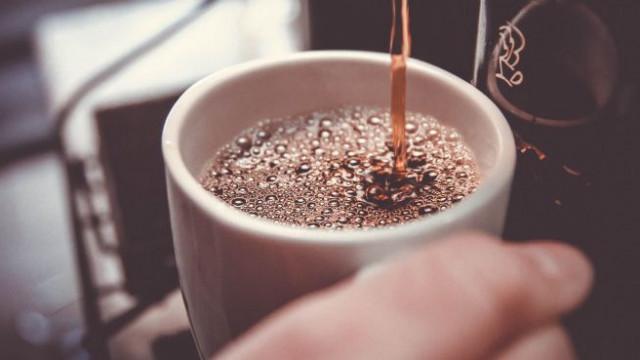 Спрете кафето и захарта, за да видите тези огромни промени в тялото си