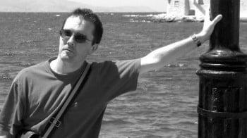 ЕП почете с минута мълчание жестоко убития учител във Франция