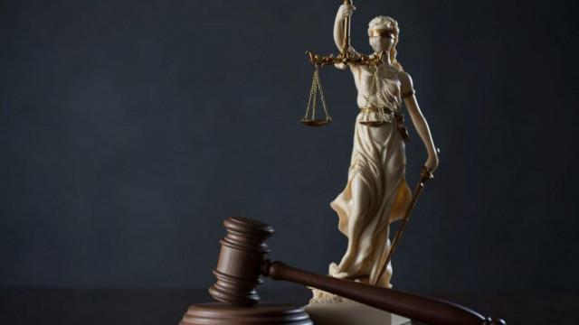 Темпото на Темида: Работничка съди шефа си 25 години