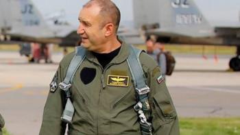 Военни тайно коват партията на Румен Радев, търсели нов Цветанов