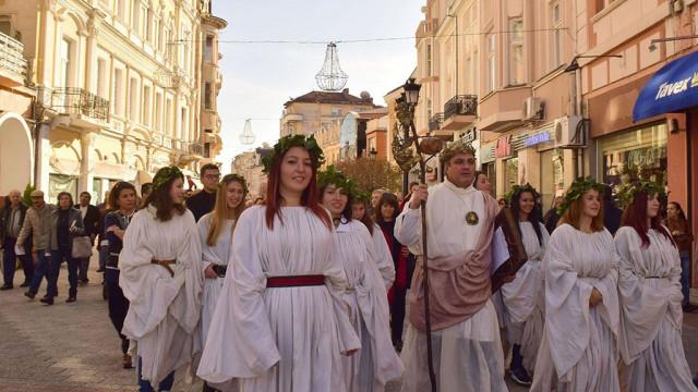 Дефилето на младото вино е едно от най-колоритните събития, които се организират от Съвета по туризъм