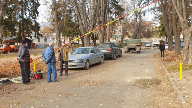Забраниха достъпа на коли до Курортната поликлиника