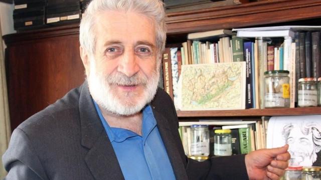 Д-р Петър Берон: Македонците да си ползват езика, но да сменят учебниците