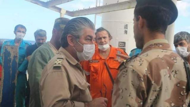 Претърсват турски товарен кораб, влязъл в забранен район край Либия