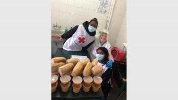 Наша доброволка в Ангола помага на хора в нужда