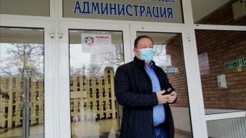 Първият ваксиниран в Пловдив: Искам да дам пример СНИМКИ