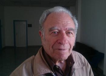 Петър Василев: Посях първо двете праскови и двете череши на белия лист