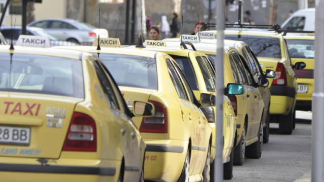 Такситата извадиха голямата секира! Вижте новите тарифи