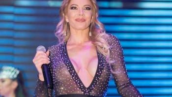Възбуда в поп фолка: Ето как Емилия посреща Башур по халат СНИМКА