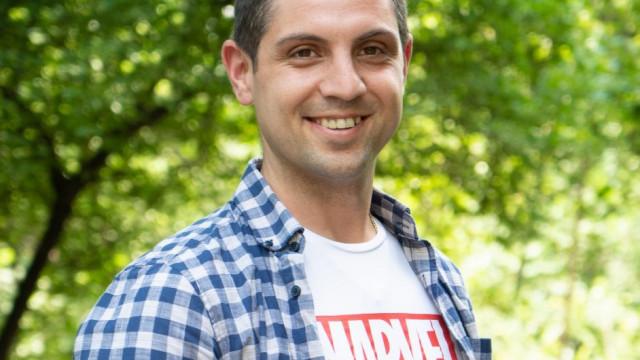 Пловдивски учители станаха рекламни лица на школото си СНИМКИ - 2