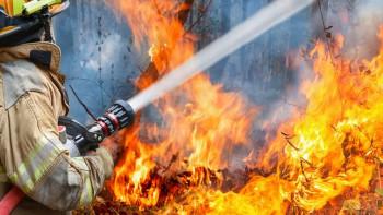 Пожар избухна в бежански център в Германия, има много ранени ВИДЕО