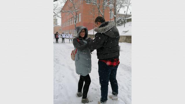Пловдивчанин предложи брак на любимата си на Буранджика