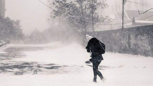 Куриоз: Украинец излъга за убийство, за да разчистят снега пред дома му