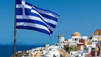 Гръцкото море все по-близо, Атина разхлабва мерките