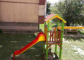 Майки сами пръскат детските площадки за вредители