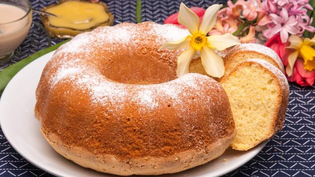 Закуска от тефтера на баба: Най-вкусния и бърз кекс само с 2 яйца
