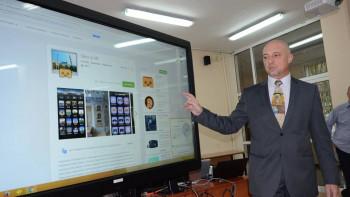 Ивайло Старибратов: Дистанционното обучение ще доведе до трайни пропуски
