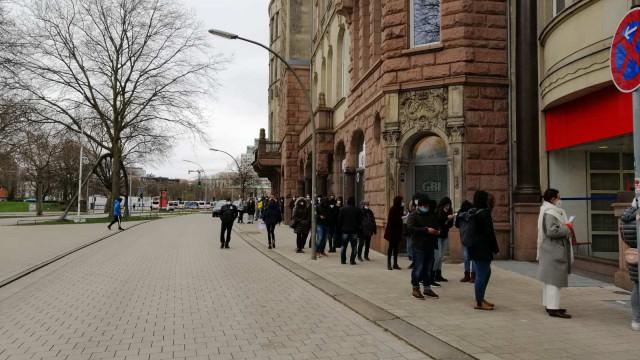 Нашенци чакат 4 часа, за да гласуват в Хамбург