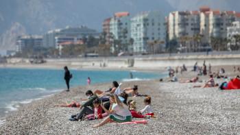 Турция стартира ваксинацията на работещите в туризма
