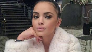 Хормони в поп фолка: Мария запретна розова рокличка и яхна... СНИМКА