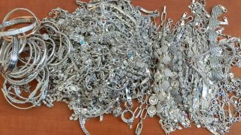 Задържаха сърбин с контрабандно сребро за 54 852 лева