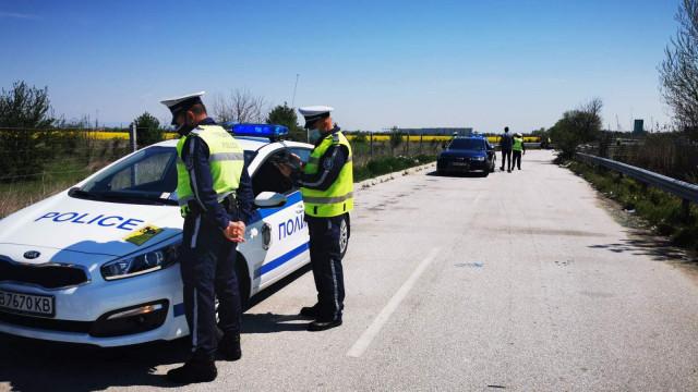 Шофьорите да внимават! Полицаи на всеки километър по пловдивските пътища