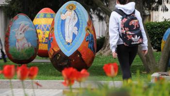 Милиони цветя украсяват парковете в Пловдив през май