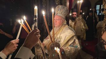 Вселенският патриарх: Сърцето ми бие с всички, загубили любим човек в пандемията СНИМКИ