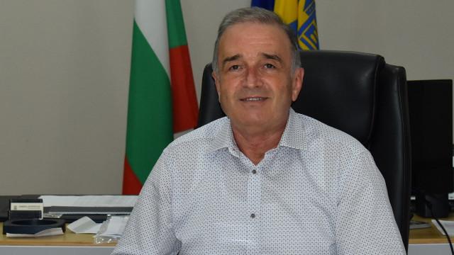 Кметът на Асеновград: В днешния светъл празник дарете хората около вас с любов и внимание