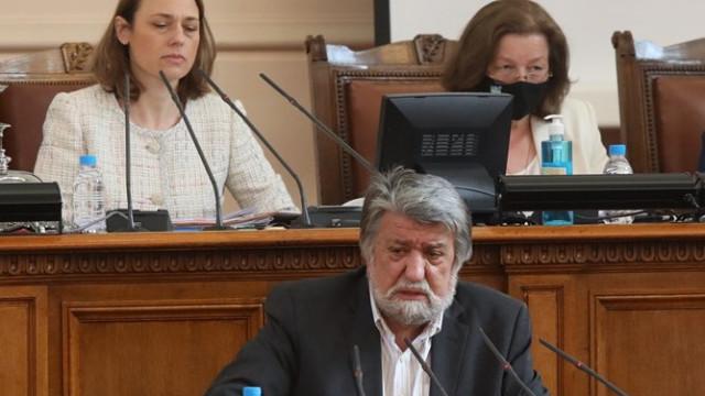 Вежди Рашидов: Успешните министри създават нещо, неуспешните слагат по един пагон и си отиват