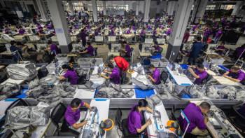 Китай регистрира ударен износ, най-големият му пазар е в САЩ