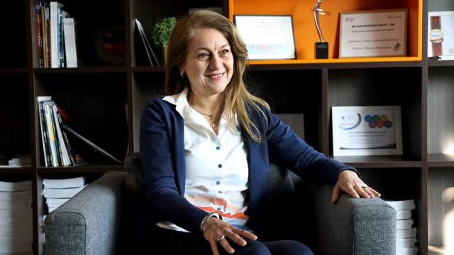 """Честит рожден ден на шефката на """"Връзки с обществеността"""" на """"Филип Морис България"""""""