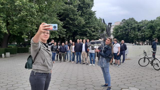 Двайсетина души викаха срещу Гешев в Пловдив СНИМКИ / ВИДЕО