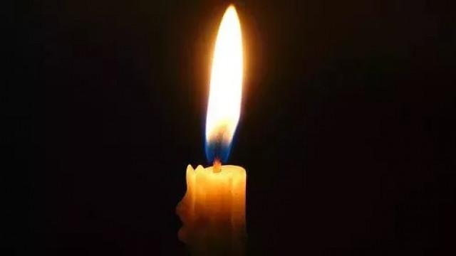 Скръбна вест: Почина известен български журналист, политик и писател СНИМКА
