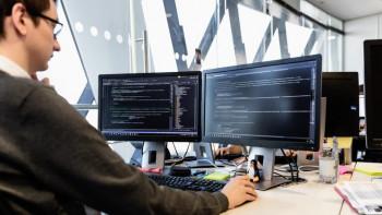 След законовите промени: Чакат наплив на чужденци в IT сектора