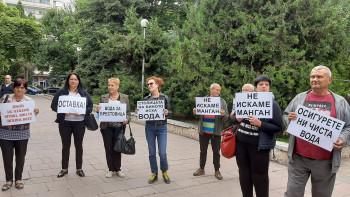 Жителите на Брестовица: Ще съдим ВиК-Пловдив за платената негодна вода ВИДЕО