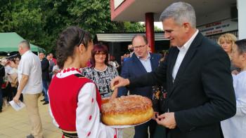 Българинът харесва кабинета, Радев с летящ рейтинг