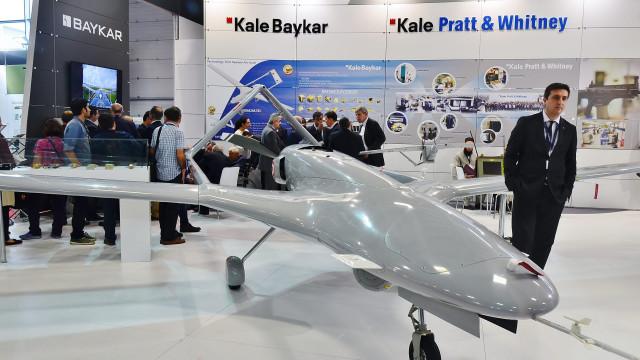 Льо Монд: Турските бойни дронове се продават като топъл хляб